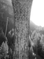was-meint-ihr-dazu/29382/kleiner-versuch-an-einem-viadukt-an Kleiner Versuch an einem Viadukt an der Albulabahn.
