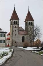 was-meint-ihr-dazu/51993/die-dritte-im-bunde-st-peter Die dritte im Bunde: St. Peter und Paul in Niederzell. Auch hier eine wunderbare Grundsubstanz. Von Osten gesehen. Von hier wirkt die Kirche noch sehr archaisch und bietet ein wunderbar harmonisches Bild.