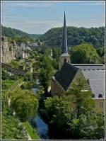 nachbearbeitung/43650/zum-vergleichen-ein-bild-der-johanneskirche Zum Vergleichen ein Bild der Johanneskirche von der anderen Seite aus aufgenommen. Leider leichtes Gegenlicht, aber aus dieser Perspektive sieht das Dach des Kirchturms gerade aus. (Jeanny)