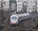 kritik-erwuenscht/43963/zwei-ice-3acutes-werden-gleich-durch Zwei ICE 3´s werden gleich durch den Köln Deutzer Bahnhof rauschen.  Was haltet ihr von dem Schnitt?